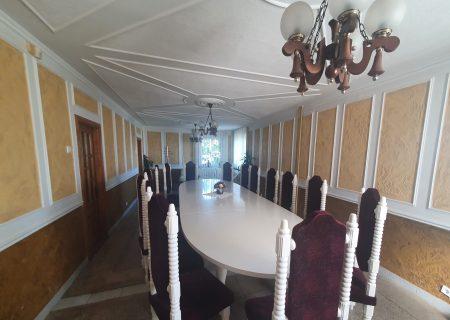 Pakelės namai, baltoji salė 3